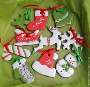 ccfe630d56b781545869445f33tc podarki k prazdnikam pryanichki na elochku 300x290 - Подарок на Рождество