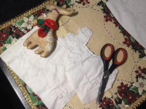 olen 4 300x225 - Мастер-класс по изготовлению рождественского оленя от мастерской «Grapedolls and decor»
