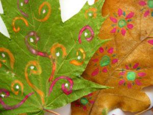leaf15 300x225 - Осенние поделки: аппликации из осенних листьев. Коллаж из осенних листьев
