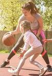 Чему учить ребенка 3 лет? Вместо букв и цифр – прятки и игры с мячом