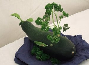 veg45 300x220 - Поделки из овощей и фруктов