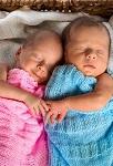Как правильно воспитывать двойняшек. Советы для родителей близнецов