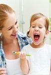 Уход за детскими зубами: правила для мамы, развлечение для ребенка