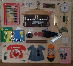 6bf4b3745da501ad09f953ed8b8b1b18 300x268 - Делаем игрушки своими руками для грудничков