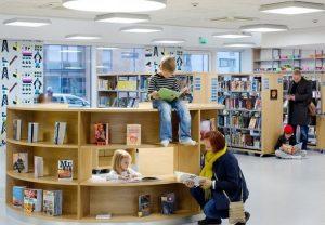 590c 300x208 - Уроки математики в Финляндии: дети выбирают тариф на телефон и учат дроби в седьмом классе