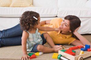 86501142 300x200 - 12 спокойных игр перед сном для детей 2-4 лет и 4-6 лет