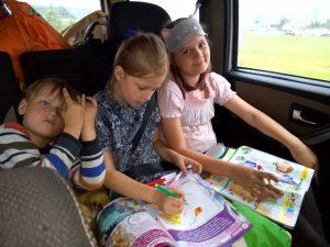 IMG 20170828 164623 - Чем занять ребенка в самолете, поезде, машине: 45 идей для игр в дороге