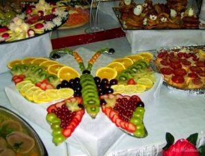 """babochka 300x228 - """"Вкусные картины"""" из овощей и фруктов: съедобно, полезно и увлекательно!"""