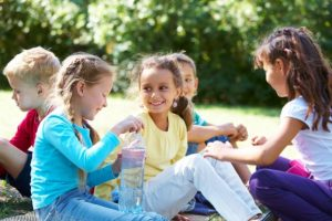 nuzhny druzja e1509101353606 300x200 - Как научить ребенка постоять за себя – советы психолога