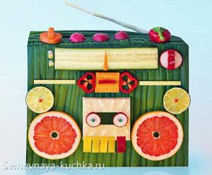 """ovoshchi3 300x247 - """"Вкусные картины"""" из овощей и фруктов: съедобно, полезно и увлекательно!"""