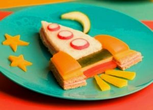 """zakuski 2 300x215 - """"Вкусные картины"""" из овощей и фруктов: съедобно, полезно и увлекательно!"""