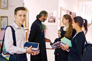 imgp0312 700x467 - Православная гимназия: поступать или нет?