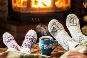 hygge 300x199 - Праздник непослушания: веселая зима дома с детьми