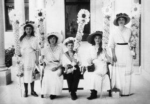 original - «Белый цветок»: учим детей милосердию