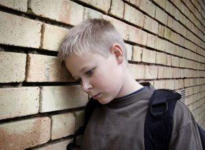 6 signs your child is being bullied fb 300x219 - Стояние в углу: полезно ли такое наказание для ребенка?