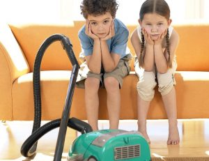 domashnie obyazannosti 1 300x231 - Как приучить ребенка к порядку без ссор, муштры и назиданий?