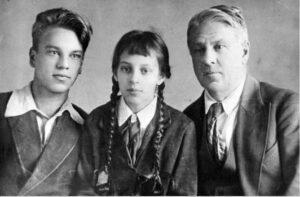 tihachek - Судьбы и стихи юных поэтов, не вернувшихся с войны: «Я не хотел участвовать в параде»