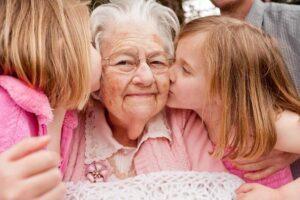 1155207 - Ребёнок, мама и бабушка: о границах власти, ресурсах и помощи