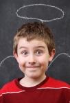 Ребёнок снова врёт: как реагировать и что делать?
