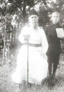 Отец Георгий (Лавров) и Ваня Сарычев