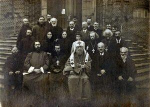 Патриарх Тихон после богослужения в Красносельском храме