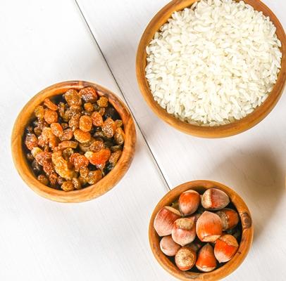 Кутья из риса с орехами и сухофруктами