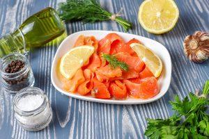 fresh smoked salmon slices 300x200 - Постная рыбная кулебяка