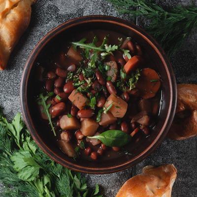 Монастырская кухня: суп из красной фасоли, драники (видео)