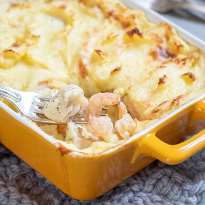 Монастырская кухня: рыбный суп с кальмаром, запеканка с рыбой, салат овощной с винным уксусом (видео)