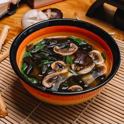 Монастырская кухня: грибной бульон с расстегаями, кулеш (видео)