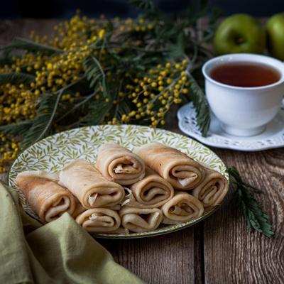 Монастырская кухня: рассольник, постные блины с яблоками (видео)
