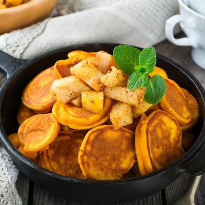 Монастырская кухня: луковый суп с редькой, тыквенные оладьи (видео)