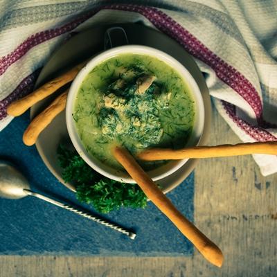 Греческий суп с одуванчиками