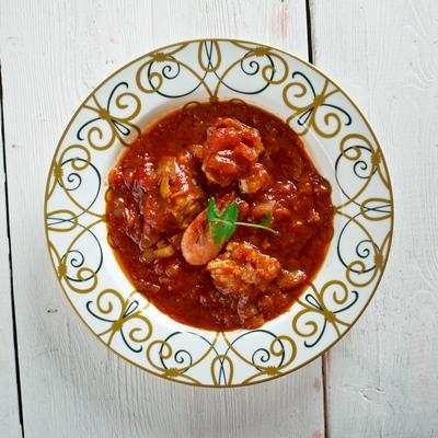 Острый рыбный суп с томатом