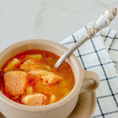 Суп из лосося с яблоками