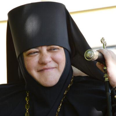 Крестом осененная: Матушка Нонна ‒ первая в истории аланская игуменья