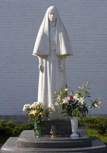 8 - Нужны ли памятники святым?