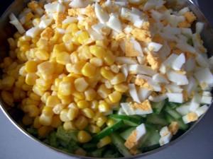 salat-iz-kukuruzy-s-majonezom_8878