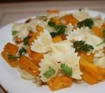 Постные вкусные блюда: паста с тыквой и чесноком