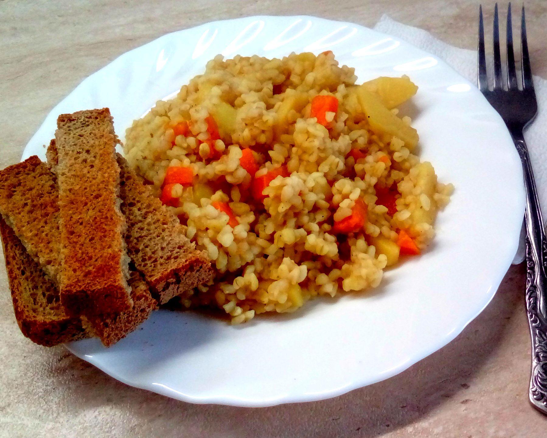Постный ужин без масла за 25 минут — булгур с картофелем